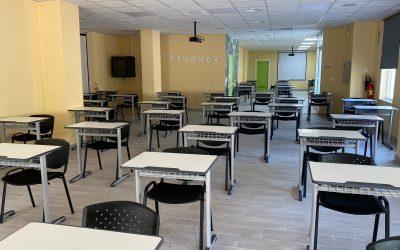 Adecuación de aulas multimedia para enseñanza en Fluency Idiomas Murcia